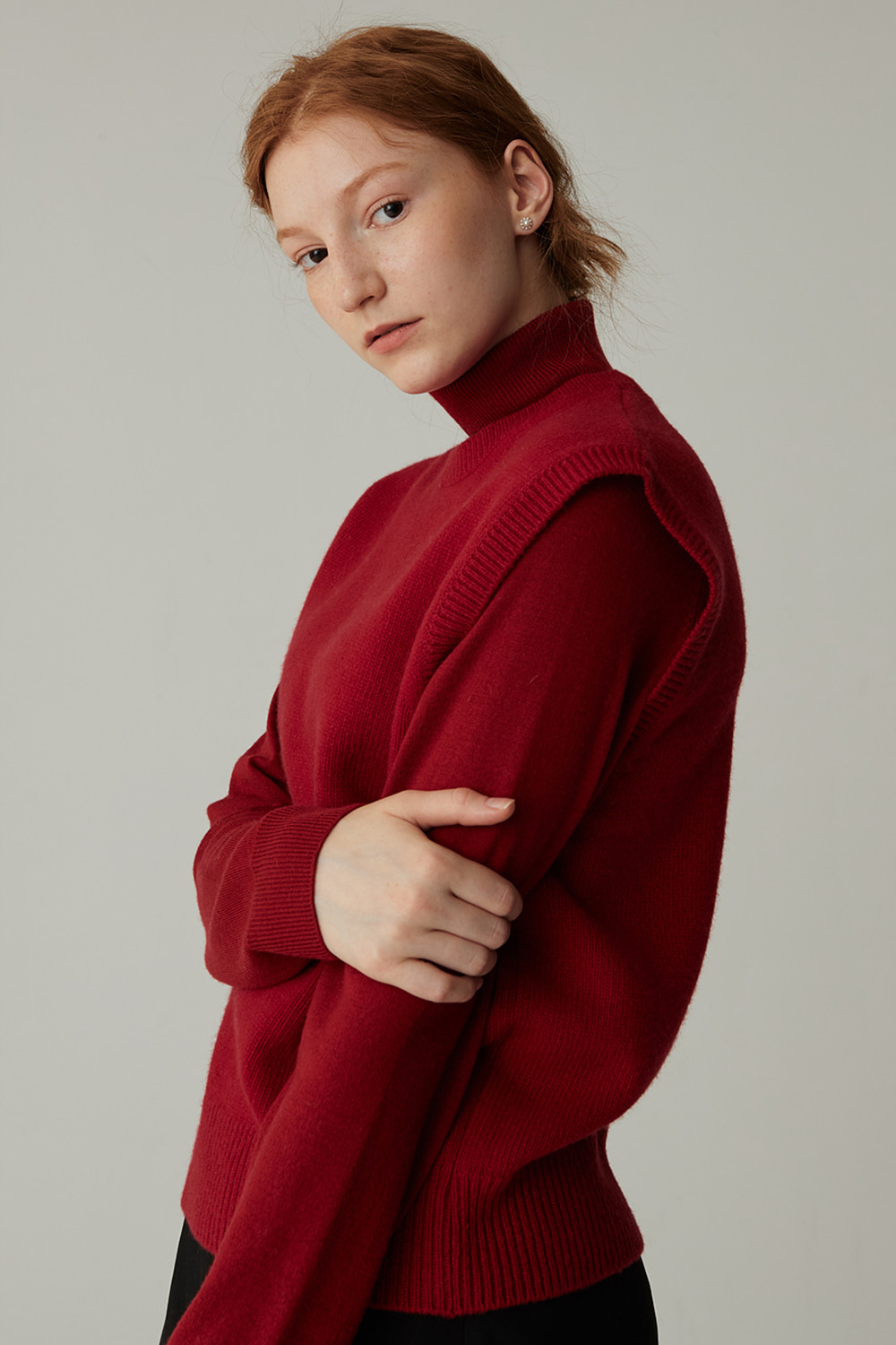 MERINO WOOL TURTLENECK KNIT (D/RED)